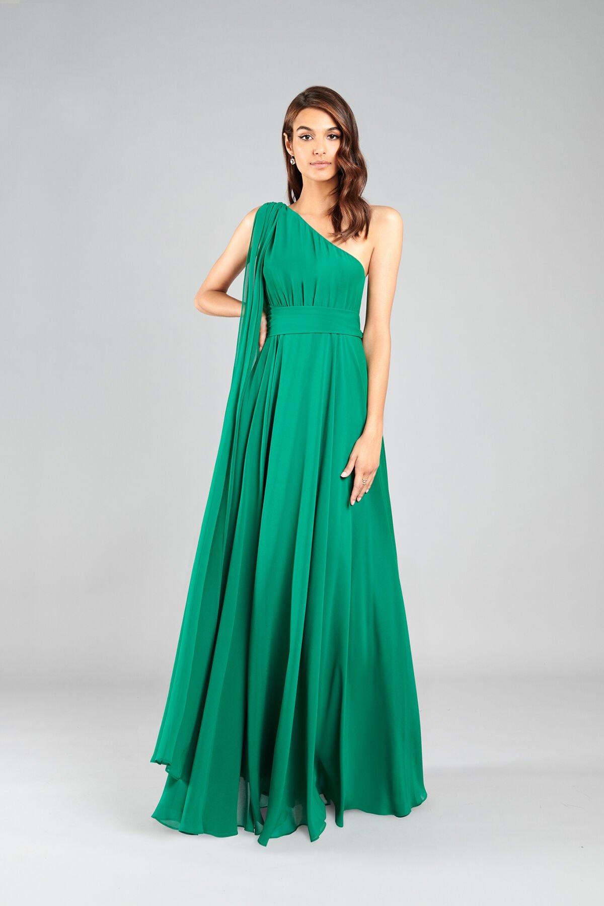Ein Schulterkleid aus weichem Georgette